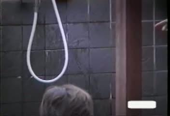 秘湯に入浴してる美女妻の陰毛を狙って盗撮した映像
